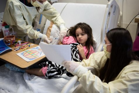 Art Club Sends Cards to Hospitalized Kids