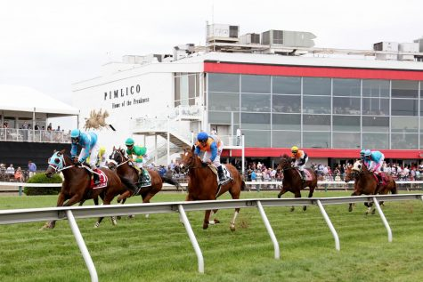 Fans Head to Pimlico for Preakness 2021